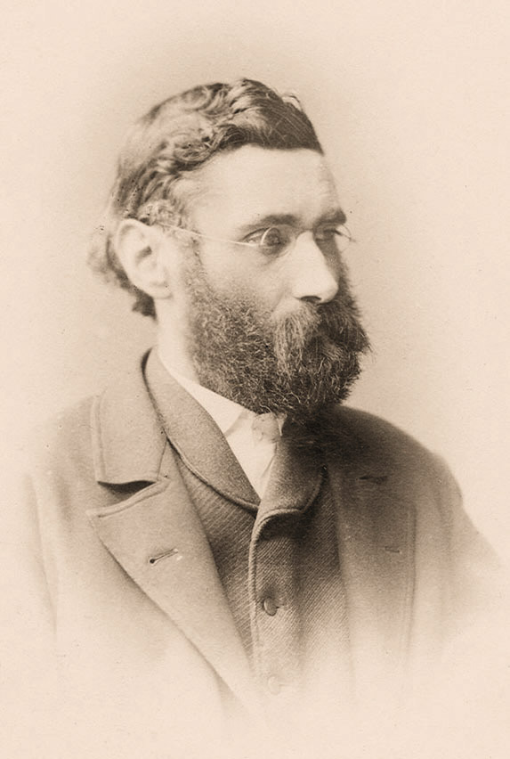 Ernst Abbe (1840 – 1905)<br />He grew up in very humble circumstances in Eisenach, where his father was a foreman at a spinning mill. A scholarship enabled him to study mathematics and physics, which he did in Jena and Göttingen between the years 1857 and 1861; the focus of his doctorate was on the first law of thermodynamics. After a brief spell in Frankfurt, he returned to Jena. He wrote his postdoctoral thesis on the least squares method with which Carl Friedrich Gauss (1777 – 1855) is credited and subsequently worked as a private lecturer. From 1870 onwards, Abbe held a position as an associate professor at the university of Jena.<br />Photo: Ernst Abbe in 1888 (Carl Bräunlich, ZEISS Archives).