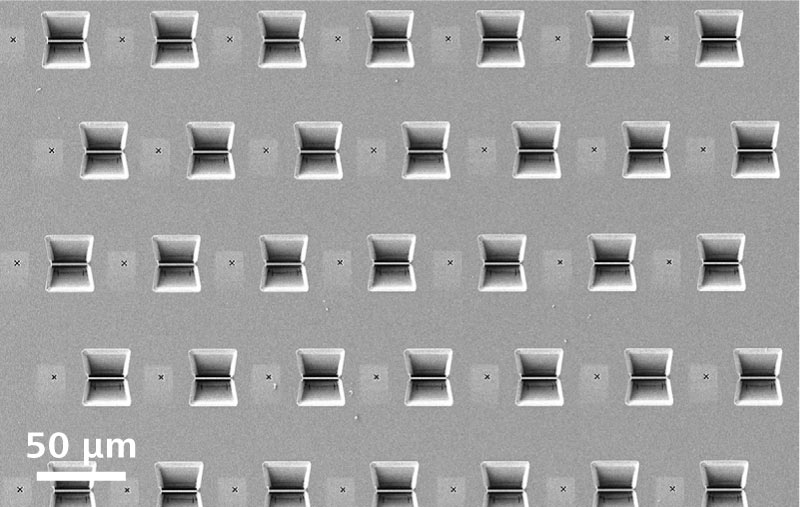 Array of TEM lamellae fabricated with automated preparation.