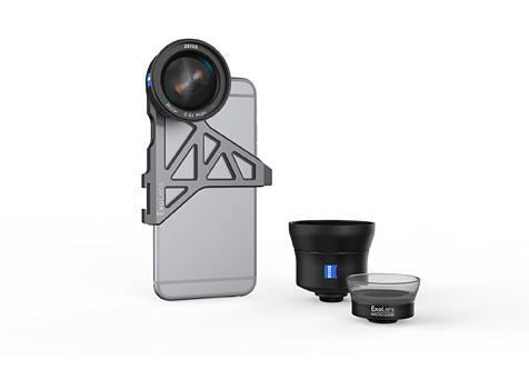 ExoLens™ wide-angle lens with optics by ZEISS on an Apple<sup> ®</sup> iPhone<sup> ®</sup> 6s