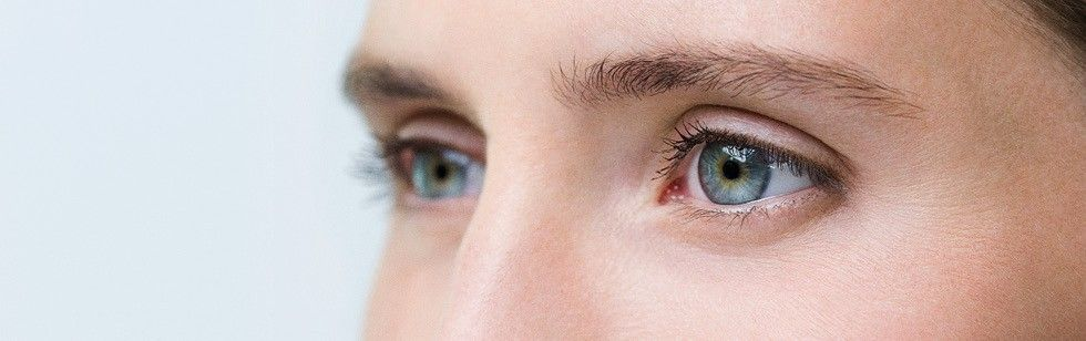 Healthy eyes with normal vision do not need visual aids.